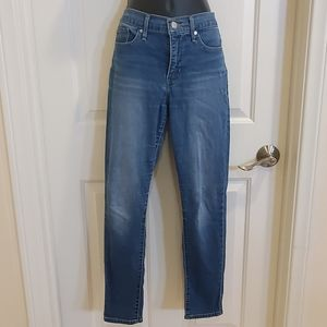 Levis 311 Shapping Skinny Jeans